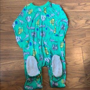 Footie pajamas. Bundle of 3. Carters 2T